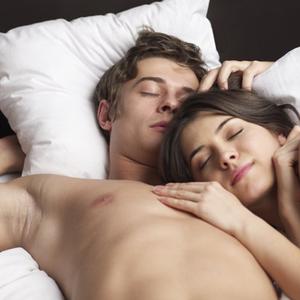 3 nyomós ok, hogy meztelenül aludj!