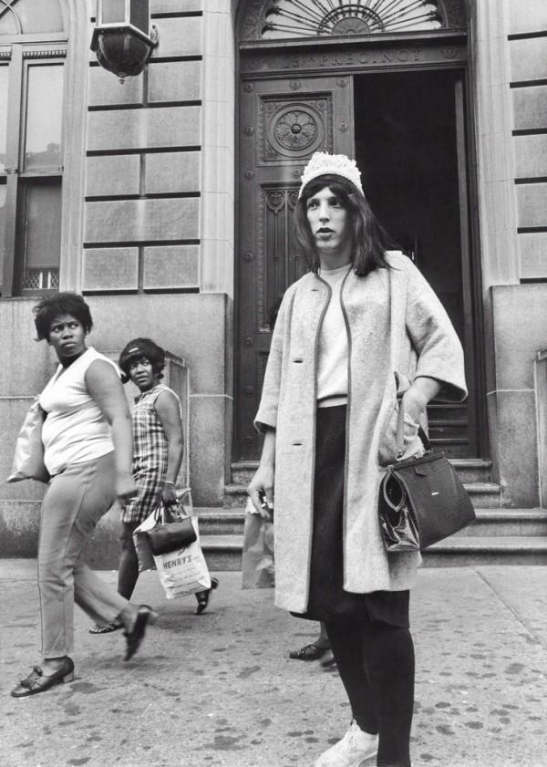 1969-ben egyre több drag queen jelenik meg az utcákon, amivel óriási közfelháborodást okoztak
