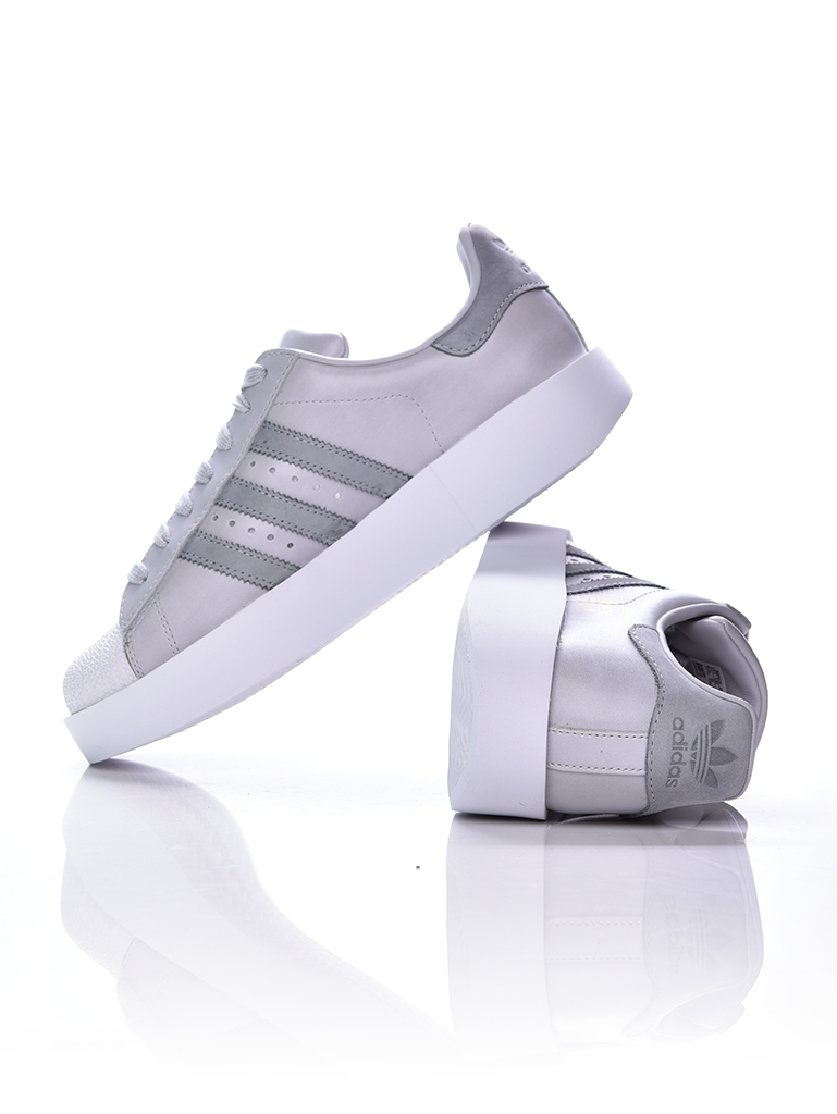<a href='https://playersroom.hu/cipo/cipo/utcai-cipo/noi/superstar-bold-w-cg3694-35.html' target='_blank' rel='noopener noreferrer'>Adidas Originals Superstar</a></p>
