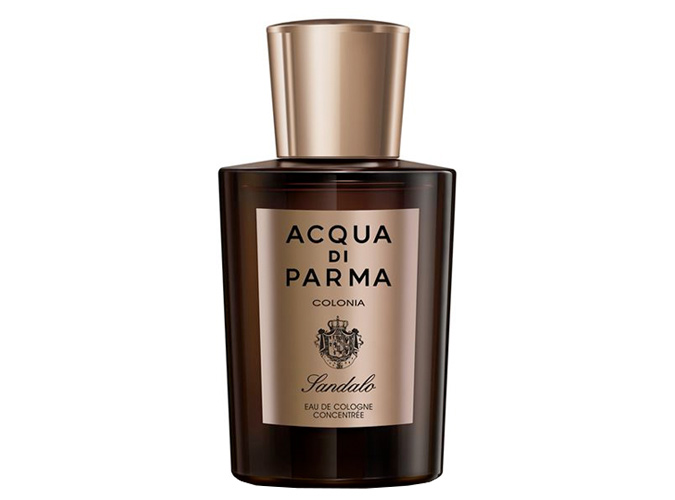 Acqua di Parma - Colonia Sandalo<br />Ez az ikonikus parfüm már 1916 óta rendkívül népszerű. 2018-ban is kivehetők az eredeti parfüm jól ismert jegyei, mint a kardamom, a levendula, és a szantálfa, amit most zingy és citrus jegyekkel párosítottak. Az eredmény egy klasszikus, arisztokrata, fás illat, amit kifinomult férfiaknak ajánlok.