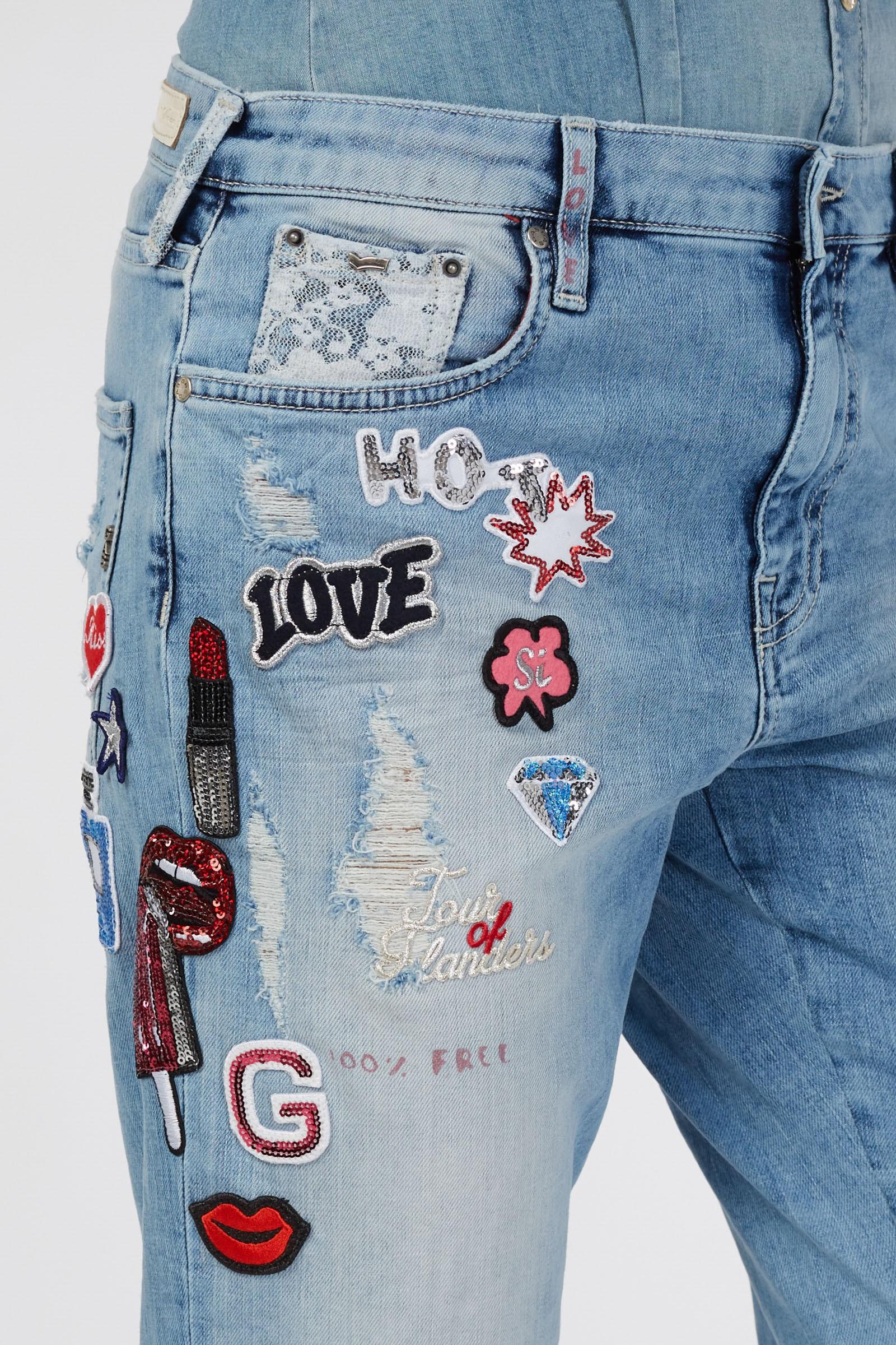 Felvarrók, <a href='http://www.gasjeans.com/hu_en/catalog/product/view/id/31293/s/juice-patch-wb03-355682020402-wb03/' target='_blank'>GAS Jeans</a></p>