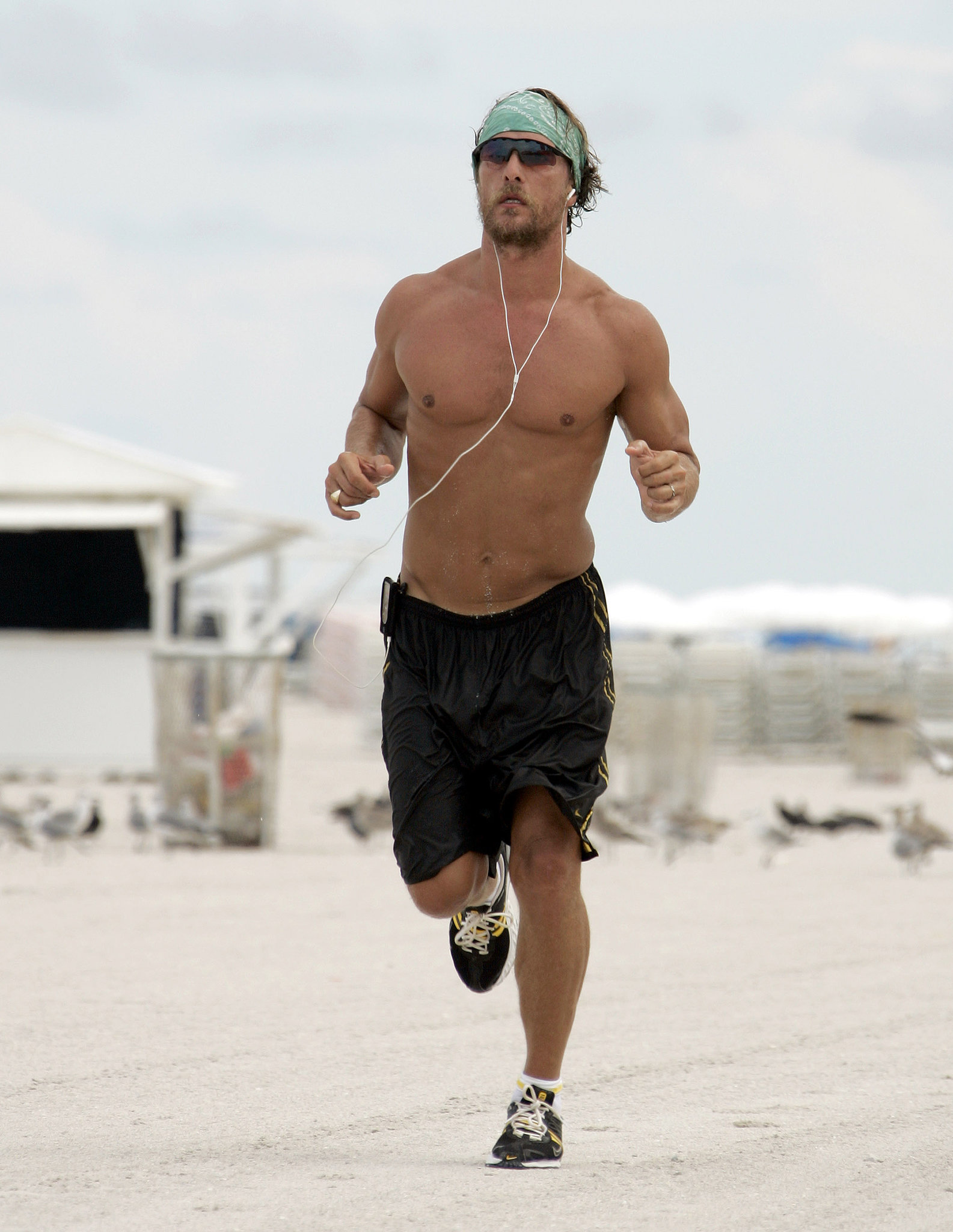 matthew-mcconaughey-scruffy-miami-beach-run-august-2006.jpg