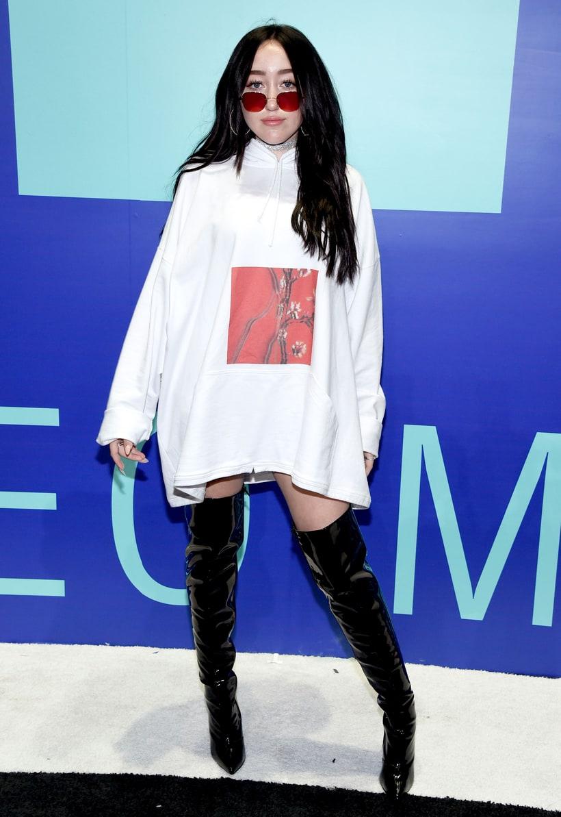 Noah Cyrus minden erejével próbál különbözni nővérétől, Mileytól. Több vagy kevesebb sikerrel?