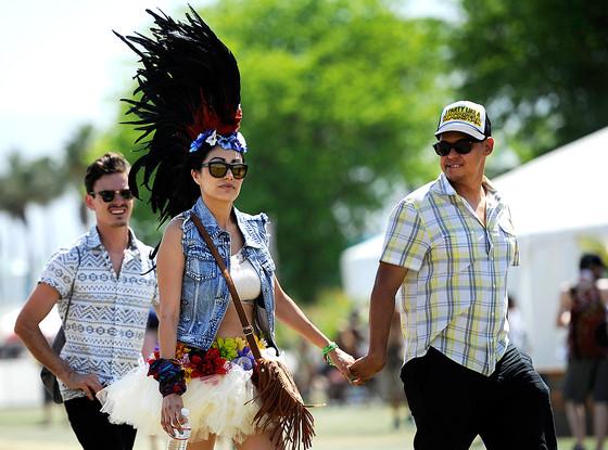 rs_560x415-140728132620-1024_festival-goer-coachella-headdress_ms_072814_copy.jpg