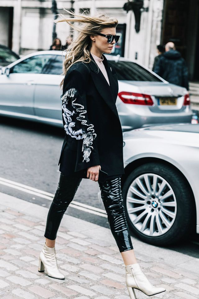 ways-to-wear-cropped-pants-with-booties-247026-1516221796974-image_640x0c.jpg