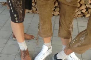 Milyen színű zokni van most rajtad?