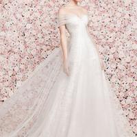 Rózsák és menyasszonyi ruhák