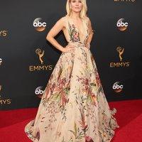 Emmy Awards 2016 - hölgyek színesben, mintásban