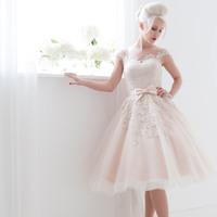 Hosszú és rövid menyasszonyi ruhák