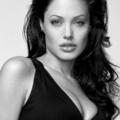 Angelina Jolie a Louis Vuitton-nál