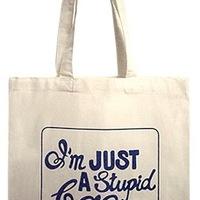Én csak egy hülye táska vagyok