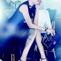 Mila Kunis a Dior-nál