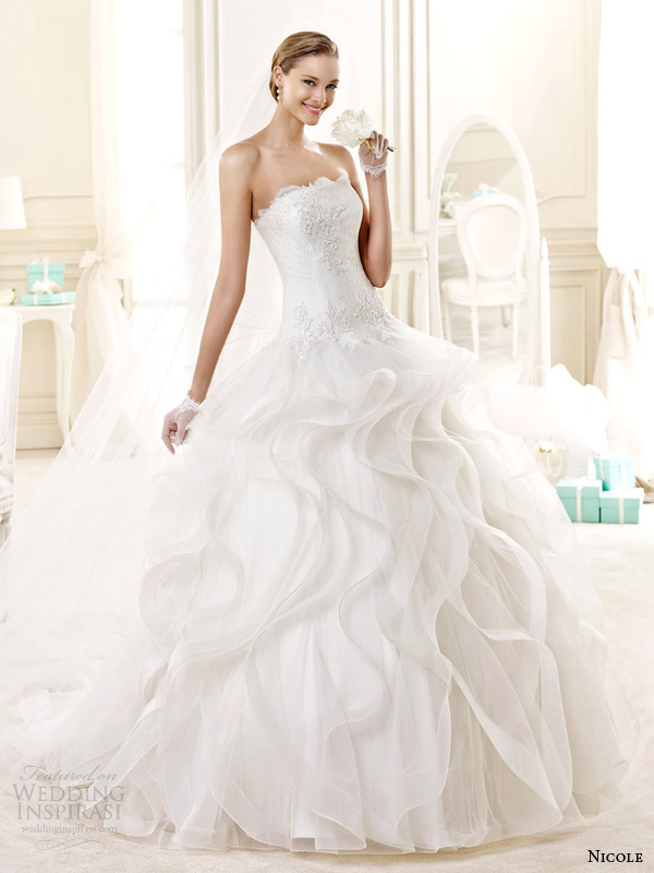 34822e862a Álomszép menyasszonyi ruhák három felvonásban - 1. rész - Strange's fashion  & gossip