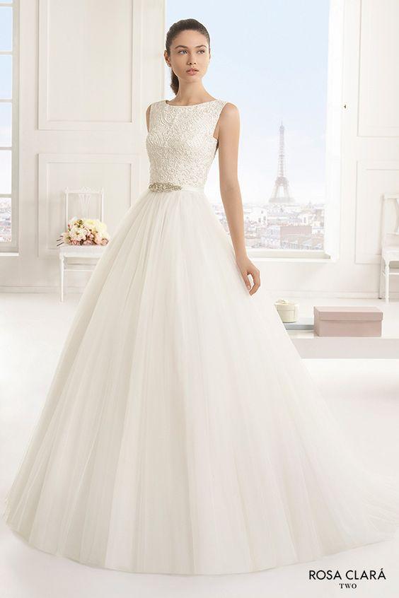 9cebf68bd0 Itt is van a szokásos pénteki szépségcsomag. Álomszép, hófehér, bájos ruhák,  íme a Rosa Clará Two kollekciójának darabajai: