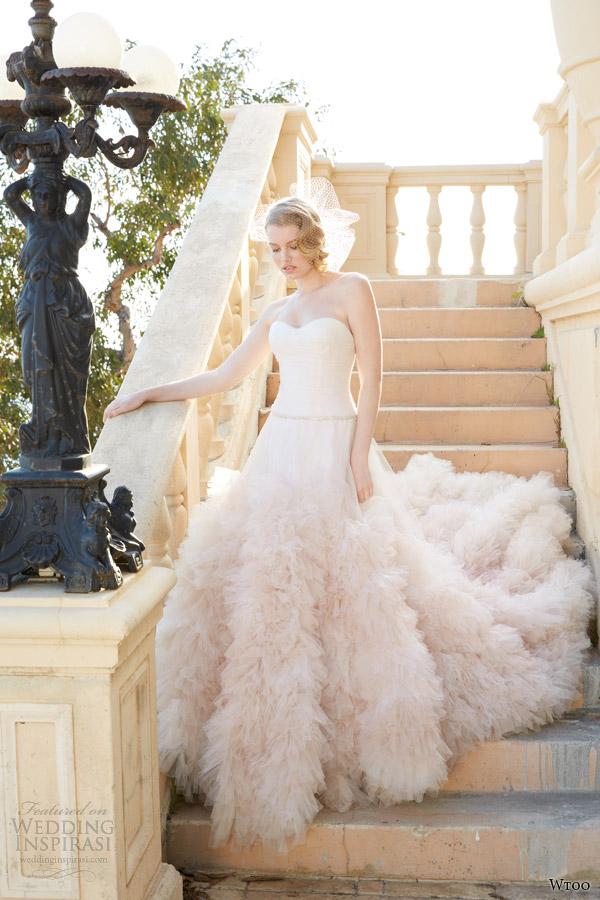 Álomszép esküvői ruhák - Strange s fashion   gossip d0375052b2