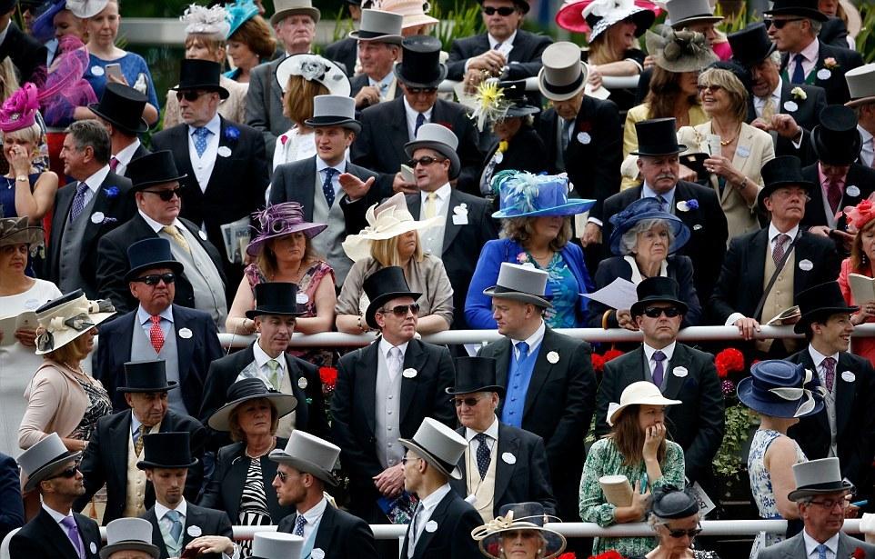 Mindenki kalapban