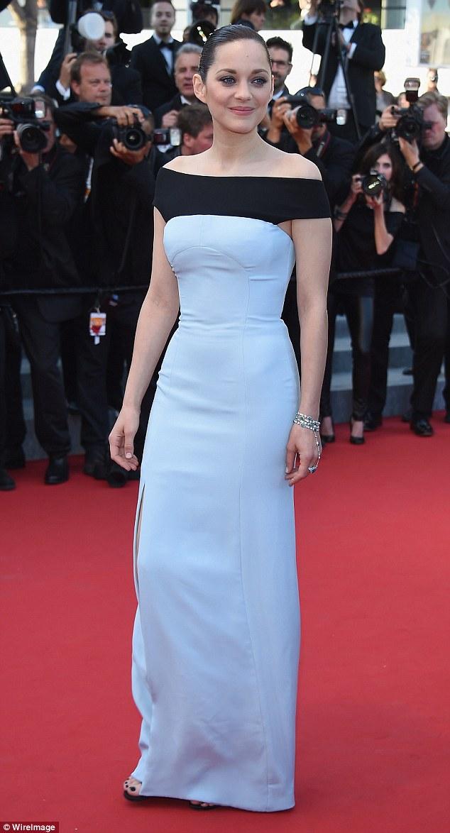 Marion Cotillard és a szokásos márka, vagyis Dior