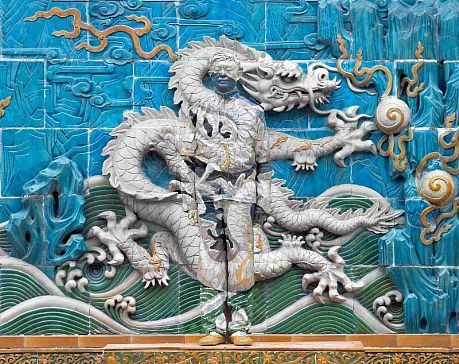 _publish_worksimages_Liu_Bolin_Dragon_Series_Panel_7_of_9_photograph_118x150cm_2010_LG.jpg