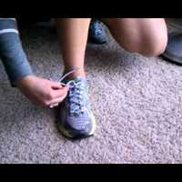 Száznegyvenhetedik bejegyzés - Egykezes cipőkötés