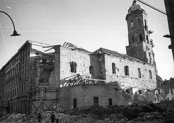 a_maria_magdolna_templom_1945.jpg