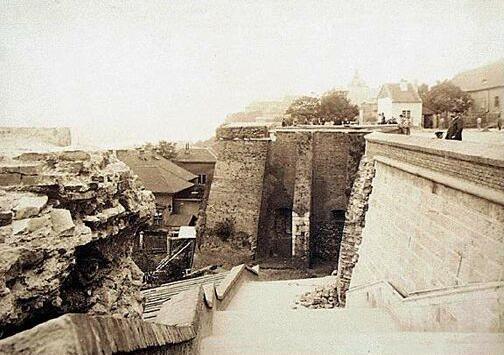 halaszbastya_epitese_1895.jpg