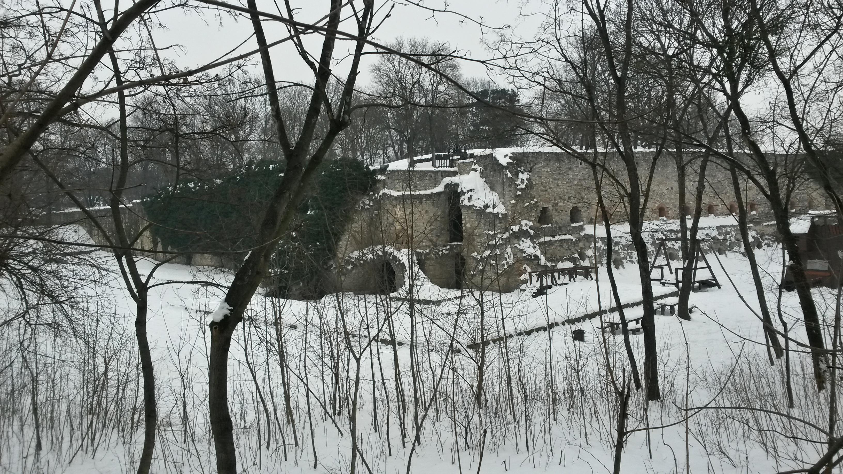 a_kulso_var_delnyugati_sarokbastyaja.jpg