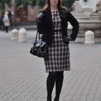 Anna, 26