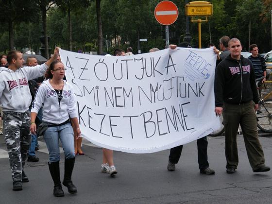 Az ő útjuk a ferde, s mi nem nyújtúnk kezet benne - Forrás: mandiner.hu