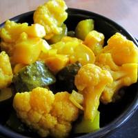 Brit piccalilli, az őszi fűszeres vegyes savanyúság