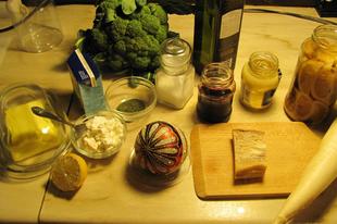 Brokkoli pancettával, ricottával, citrommal, hozzá ropogós pink reteksaláta szétszedve
