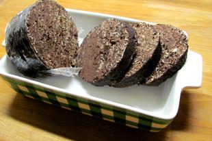 Sütés nélküli édesség: tömény csokis kávés rumos hurka