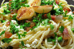 Ricottás-szalonnás-borsós spagetti