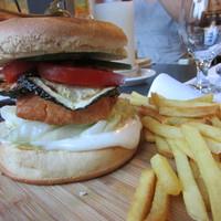 Port Royal: Bistro hamburger lazaccal