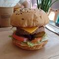 Szegedre is berobbant a műhússal készült burger