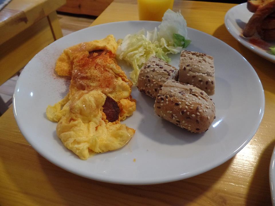 Szalámis omlett