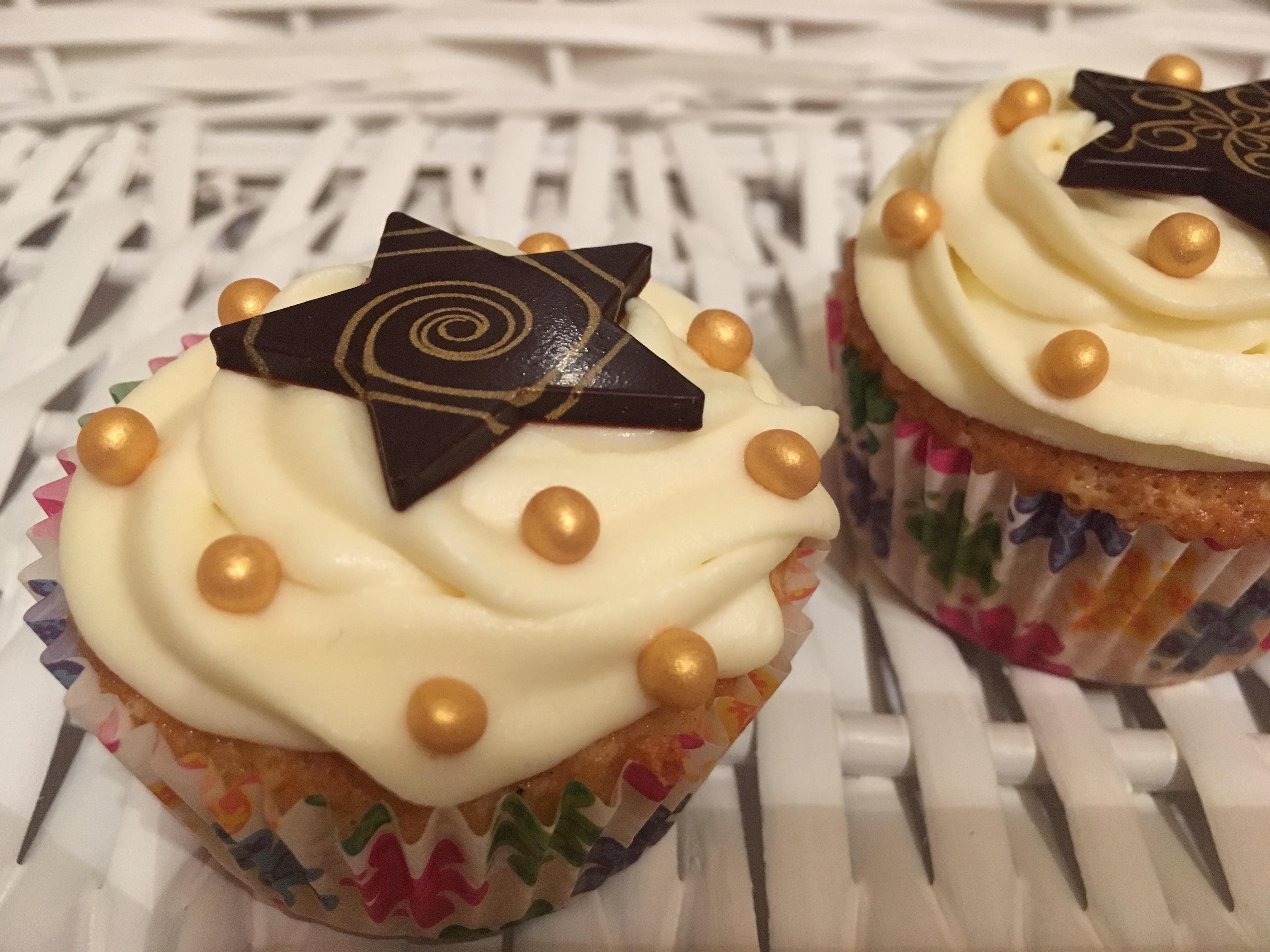 Mandulás cupcake fehércsokis mascarpone krémmel