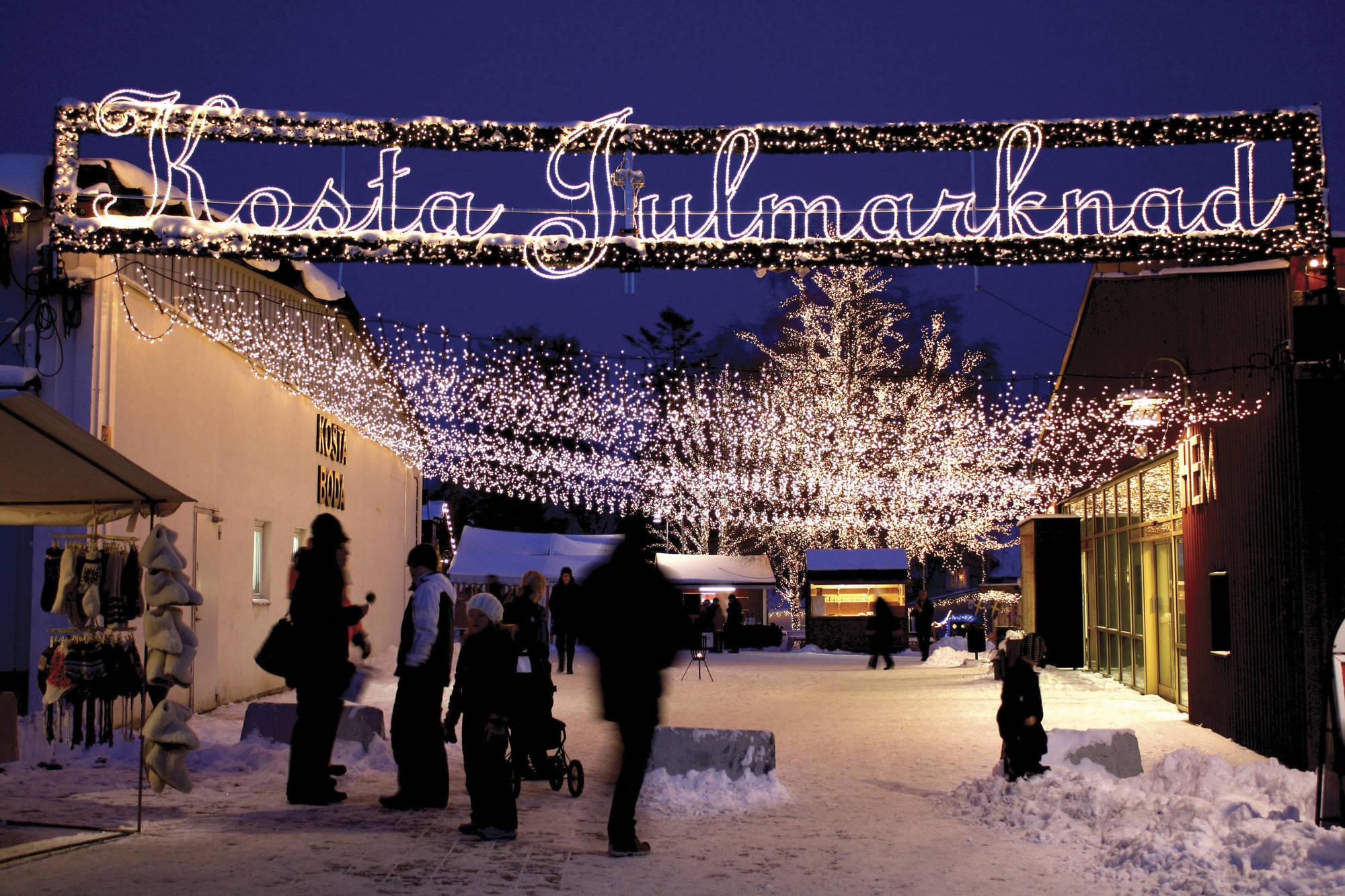 visitsmaland_weihnachtsmark-julmarknad-jul-i-kosta9257_kosta-jul-edb8fdd718c606fa6ce47dbf4421be65-2000x1333.jpg