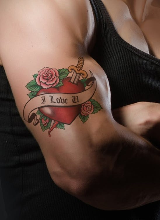 tattoo-hand-i-love-you-propose.jpg