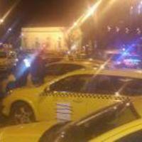 Miért is tüntetnek a taxisok?