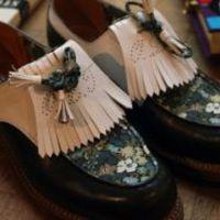 Éhes disznók makkos cipőben