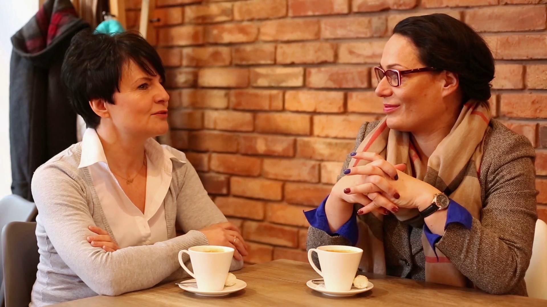 Így teszik tönkre az MLM-ek a női barátságokat