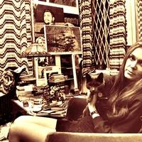 Neveljük a lányokat macskákká! – megszólalt a legendás feminista