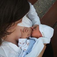 Álszemérem és áltudomány: a szoptatás mint a nők leuralásának színtere