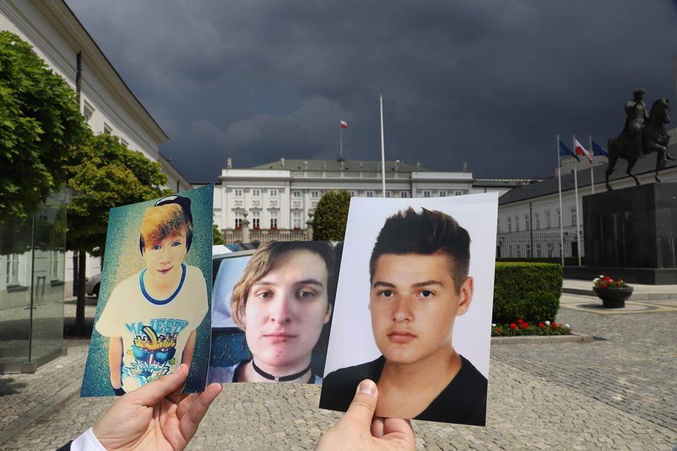 Hidegen hagyták a lengyel elnököt az öngyilkos LMBT-fiatalok