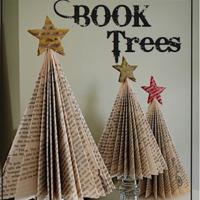 8 alternatív karácsonyfa igazi könyvmolyoknak!