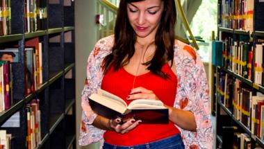 5 jó érv, hogy miért kellene inkább olvasnod