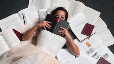 A könyvek gyógyíthatnak! Ismerd meg az IRODALOMTERÁPIA módszerét!