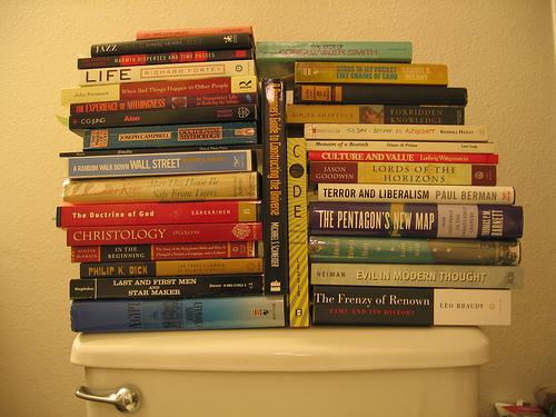 reading_toilet.jpg