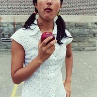 Mint a szép alma belülről rohadt