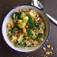 Brokkolis-spenótos krumplifőzelék